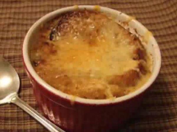 Videorecept: Francúzska cibuľová polievka |