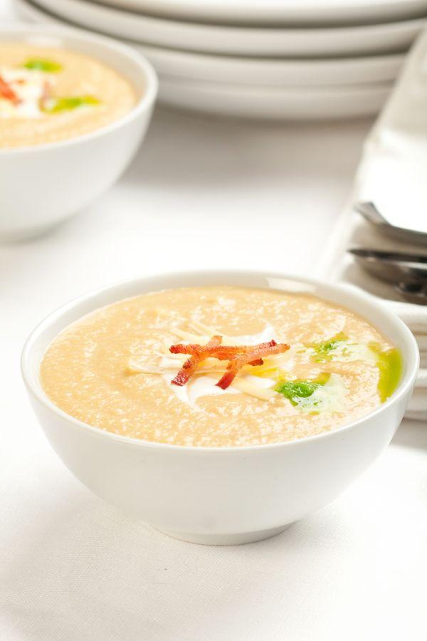 Krémová zelerová polievka s jablkom |