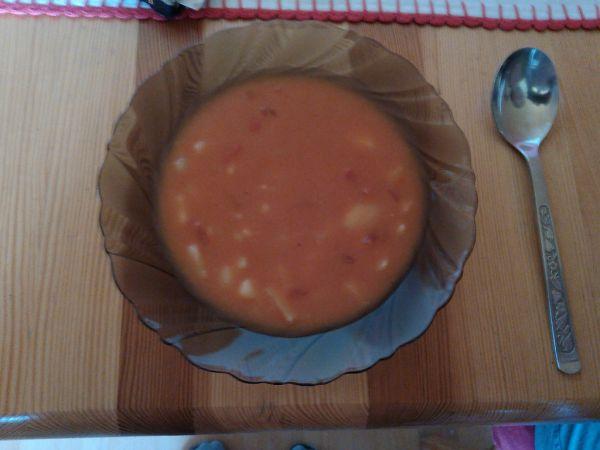 Zemiaková polievka s paradajkami |