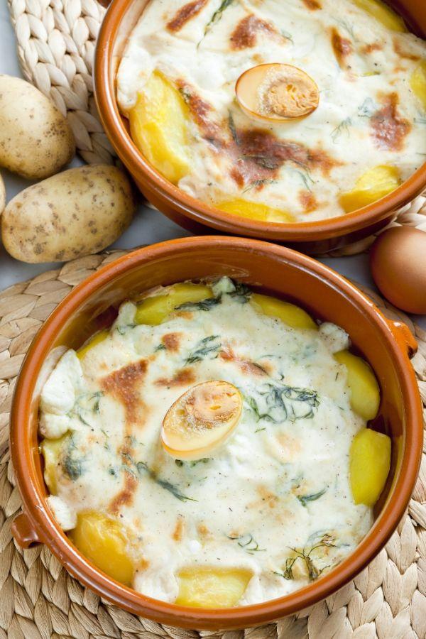 Zapekané zemiaky s bielou omáčkou |