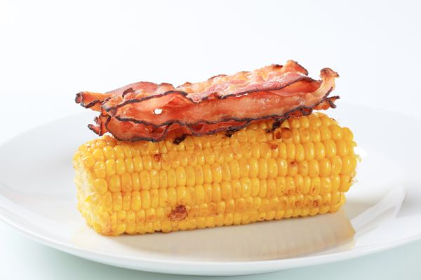 Kukurica so slaninou a bylinkami |