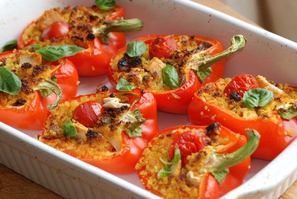 Papriky plnené kuskusom s bylinkami |