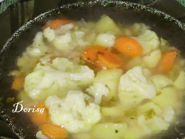 Karfiolová polievka s celozrnnou mrveničkou ...