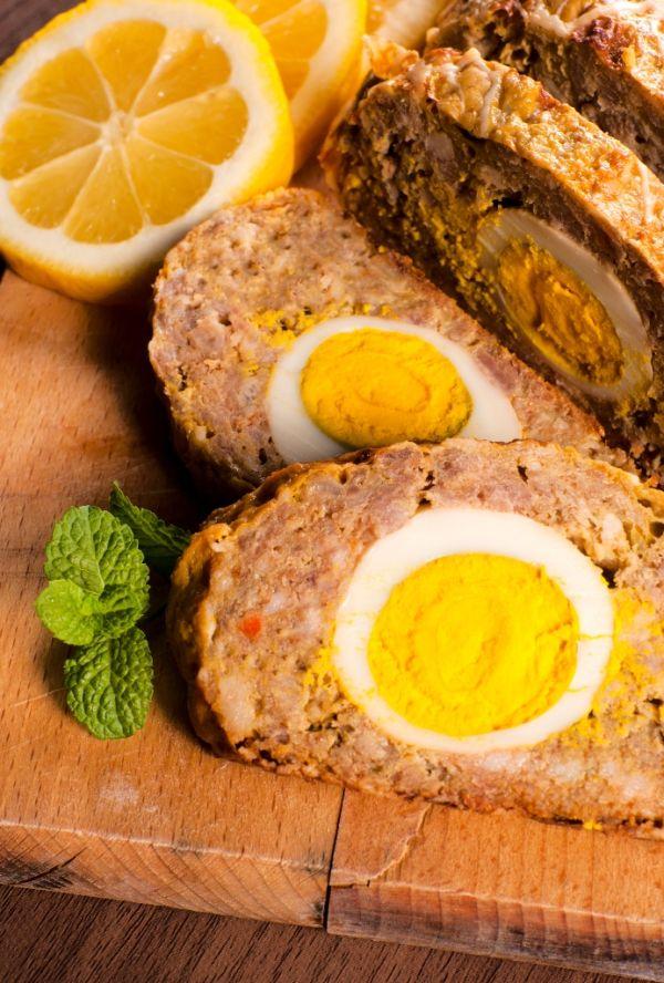 Mäsová roláda s vajíčkom |