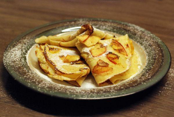 Škoricové palacinky s jablkami |