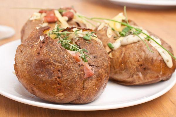 Syrová plnka so šunkou do pečených zemiakov |