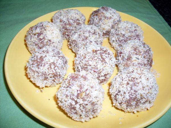 Nepečené kokosové guľky |