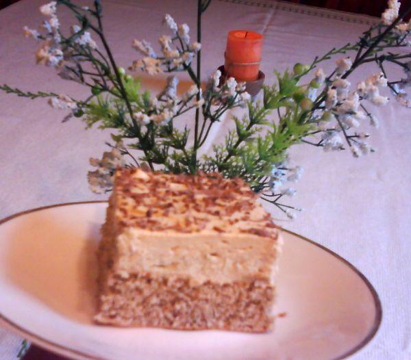 Orechovo-karamelové rezy s gaštanovou plnkou |