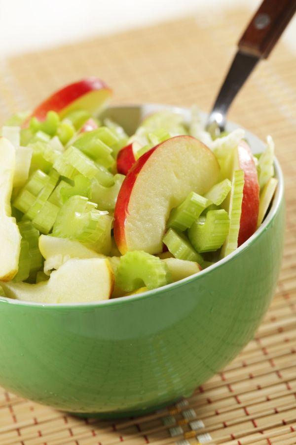 Zelerový šalát s jablkom |