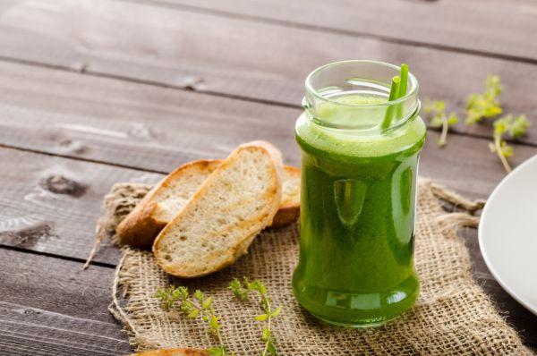 Zelené smoothie so šalátom s konopným semienkom |
