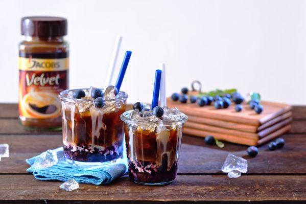 Ľadová káva s čučoriedkami |