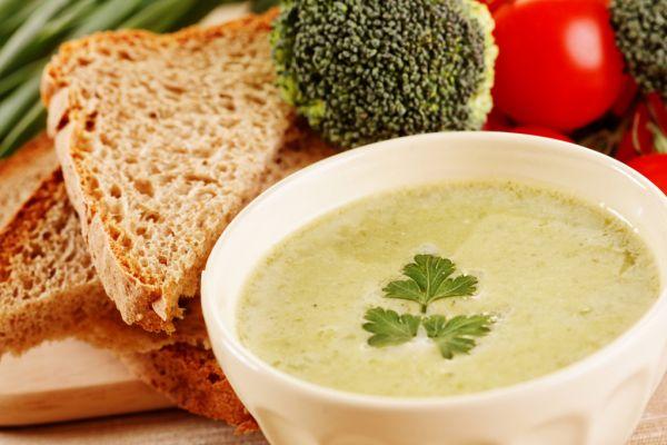 Brokolicová polievka s nivou |
