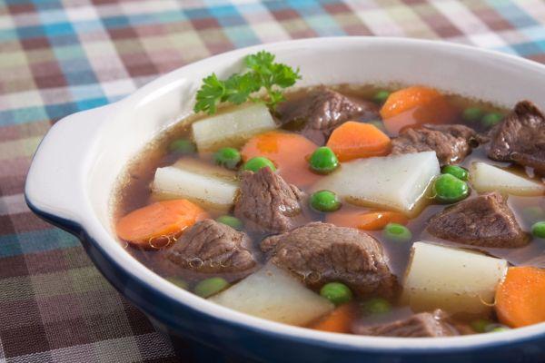 Hovädzia polievka s hráškom |