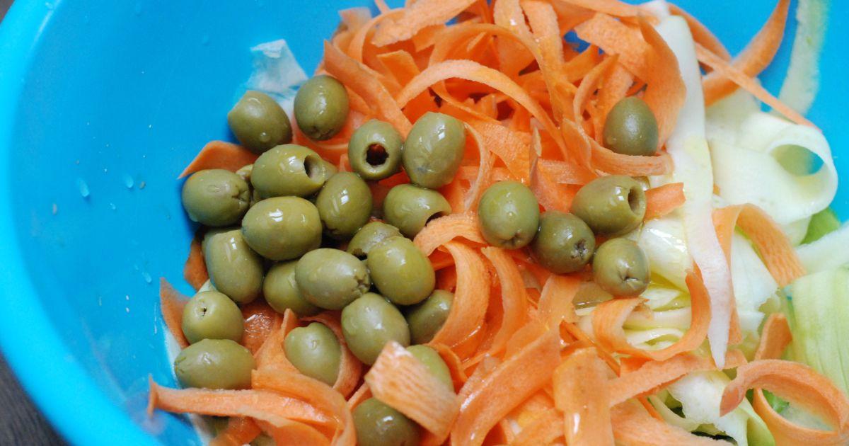 Cuketovo-mrkvový šalát s olivami, fotogaléria 5 / 8.