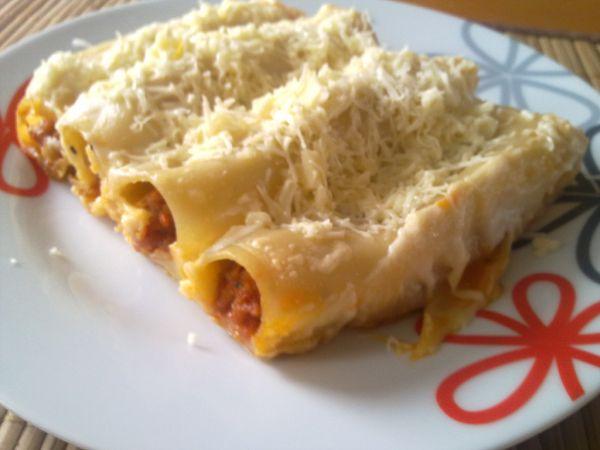 Cannelloni plnené bolognskou omáčkou |