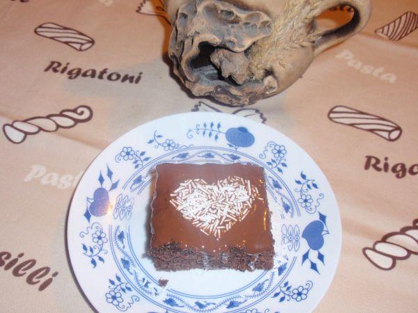 Kakaový jablkový koláč |