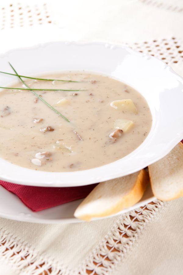Hubová polievka zo sušených húb a smotany |