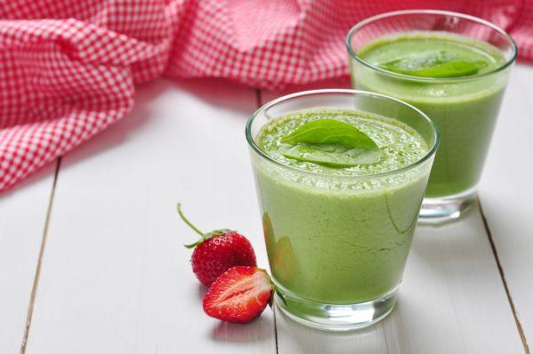 Zelený smoothie so špenátom a jahodami |