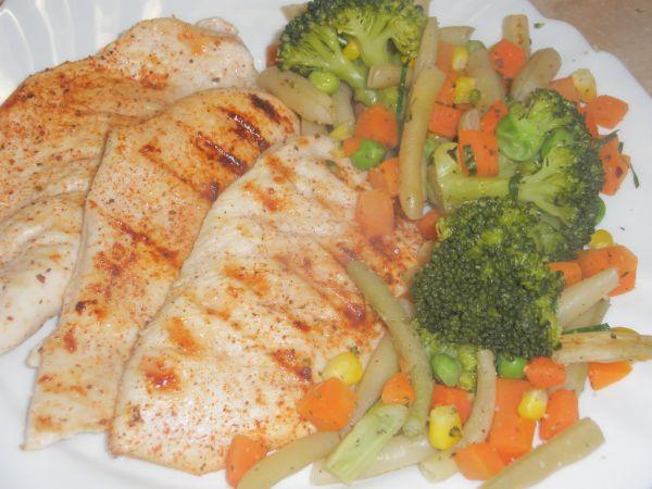 Kuracie steaky so zeleninou |