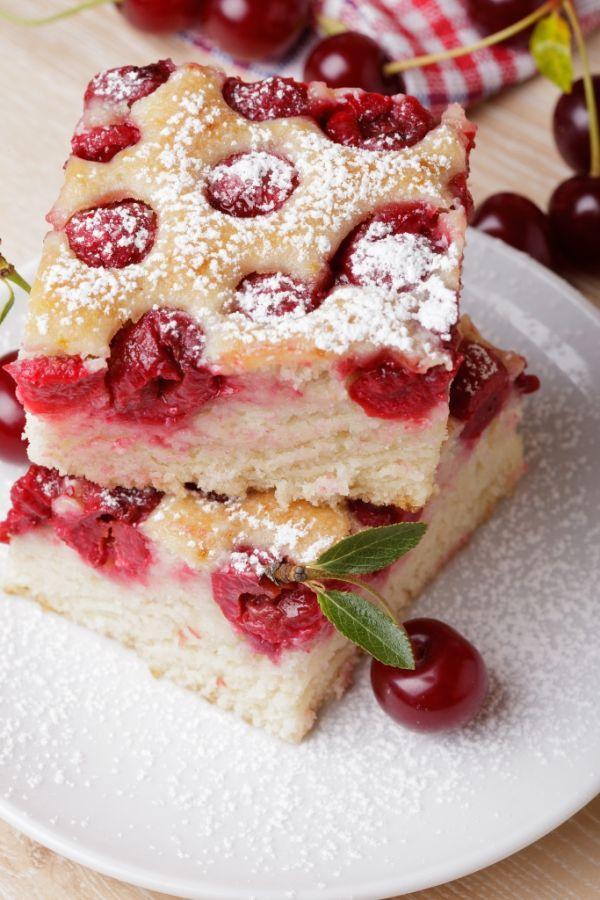 Jednoduchý višňový koláč |