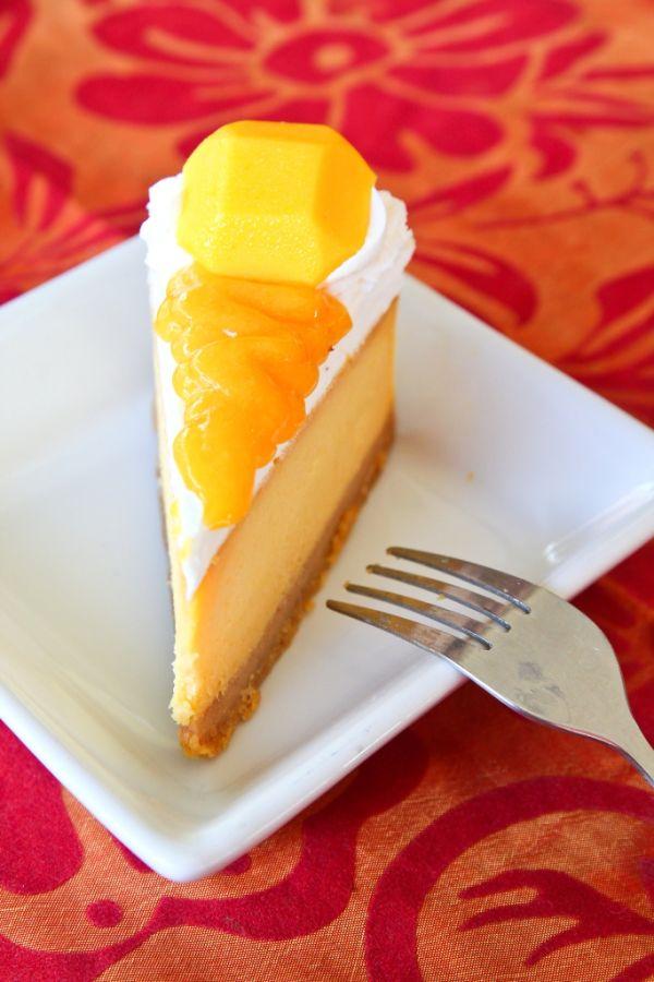 Torta s mangom a so šľahačkou |