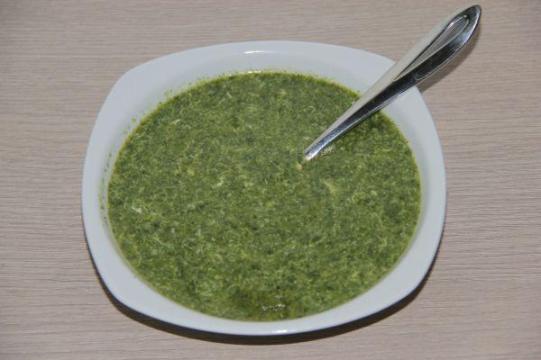 Špenátovo  vajíčková polievka |