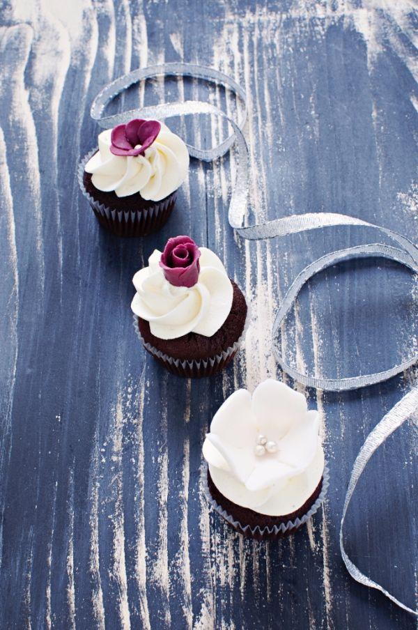 Čokoládové cupcakes s tvarohovým krémom |