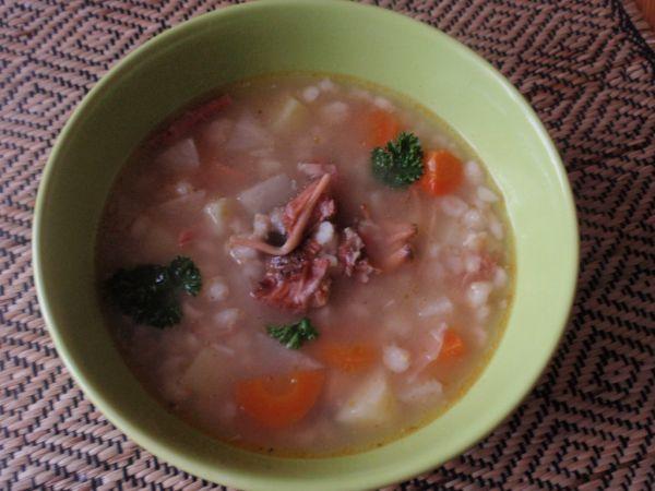 Krúpová polievka s údeným mäsom |
