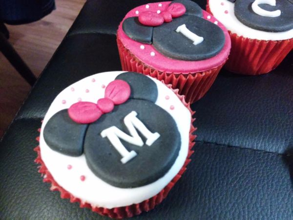 Minnie mouse cupcakes |