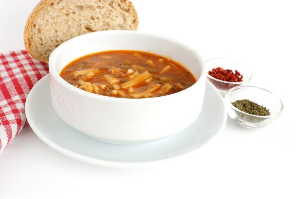 Sicílska šošovicová polievka s cestovinou |