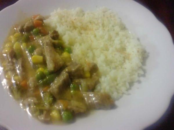 Bravčové mäso na zelenine a ryža |
