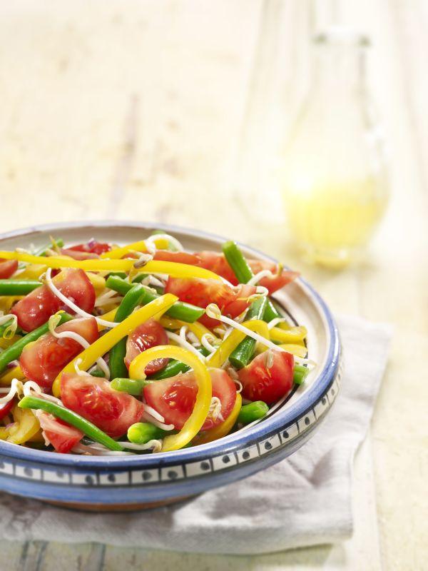 Medový paprikový šalát s rajčiakmi |