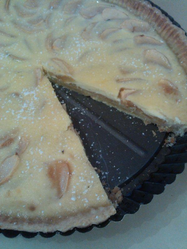 Jablečný koláč přelitý smetanou |
