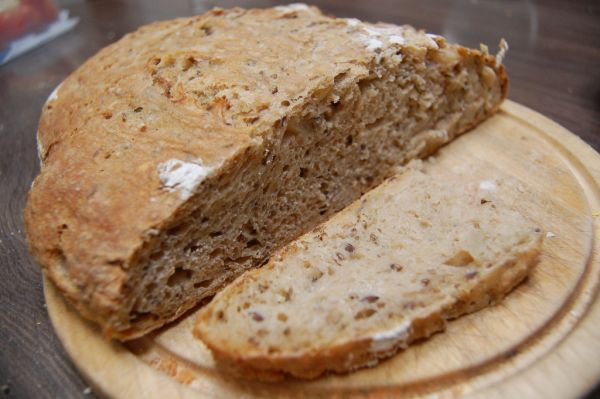 Cibuľový špaldový chlebík z ražného kvásku |