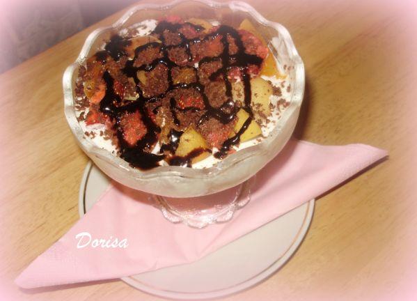 Smotanovo-tvarohový dezert v pohári |