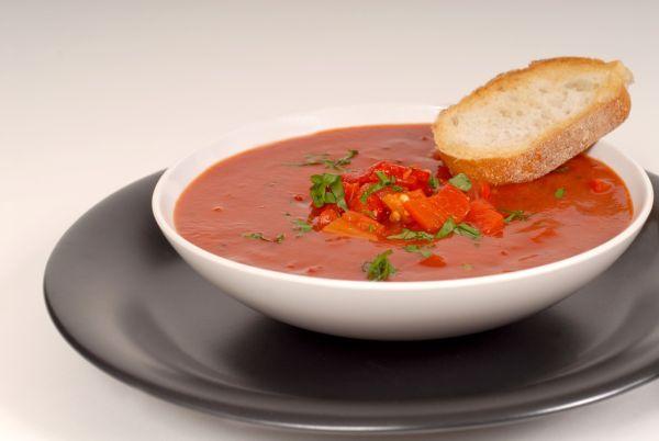 Polievka z červenej papriky |