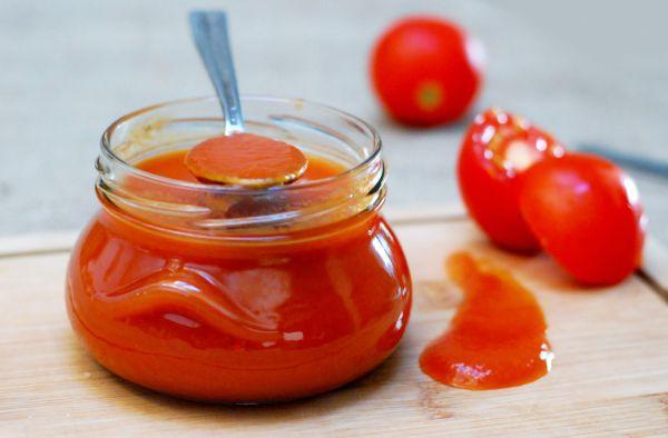 Domáci jemne pikantný kečup |