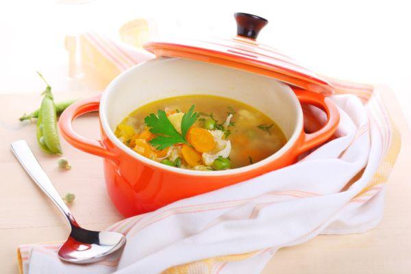 Jarná zeleninová polievka |