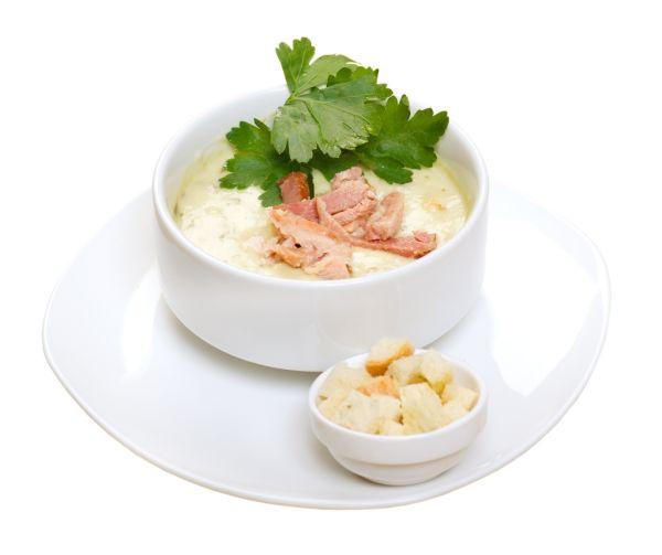 Smotanová polievka s údeným mäsom |