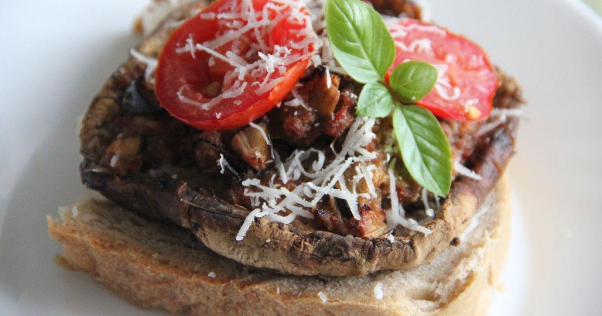 Bedľa plnená mäsom a baklažánom, fotogaléria 1 / 5.