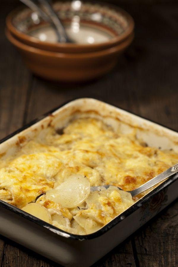 Zapečené zemiaky s ementálom  