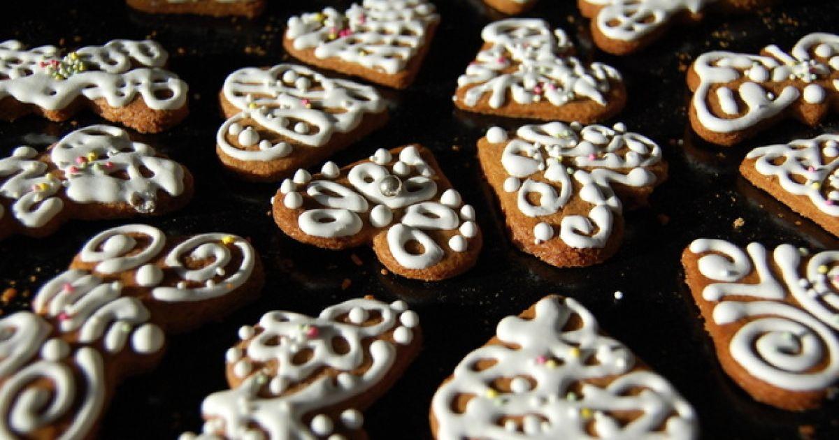 Vianočný recept od Starej mamy: Medovníčky  ihneď po upečení ...
