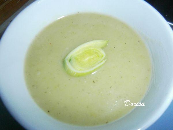 Pórková krémová polievka so zemiakmi |