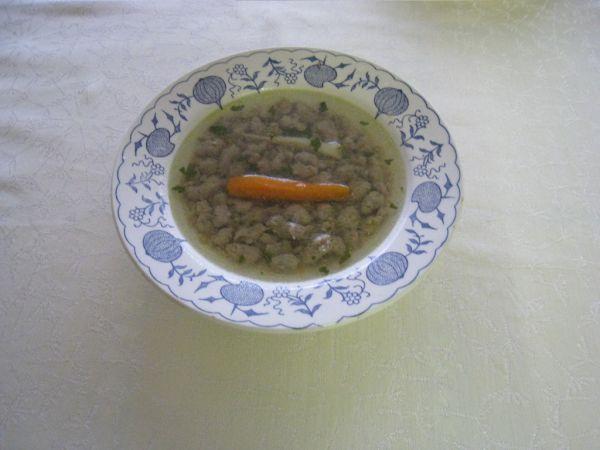 Kuracia polievka s pečeňovými haluškami |