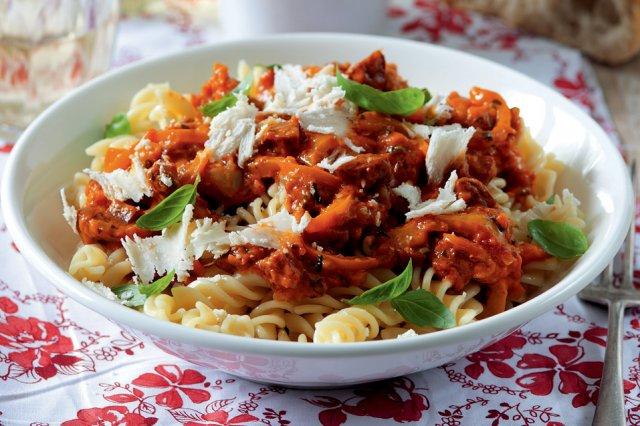 Paprikové těstoviny s chorizem