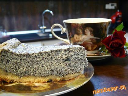 Tvarohový koláč s makom.