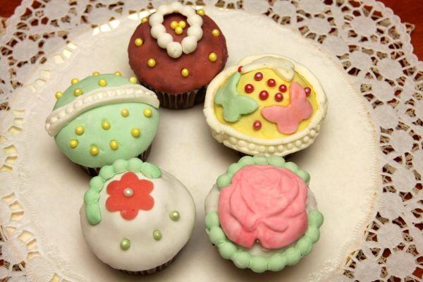 Cupcakes s vanilkovým krémom a fondánom |