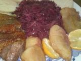 Husacie prsia s pečenými jablkami a marinovanou červenou kapustou
