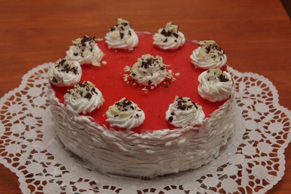 Svieža ovocná torta |