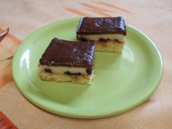 Pudingový koláč s čučoriedkami |